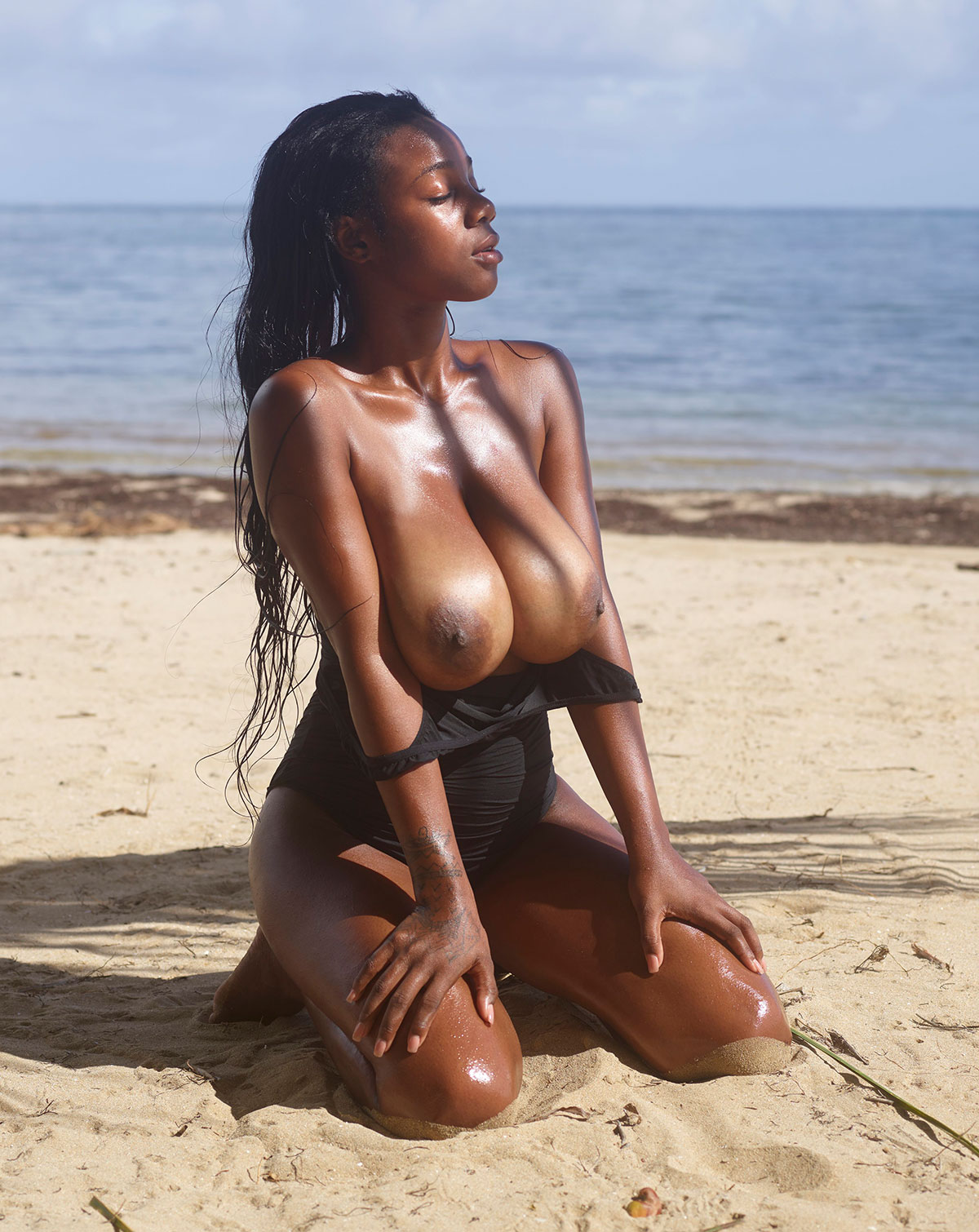 Sexy x rated beach babes