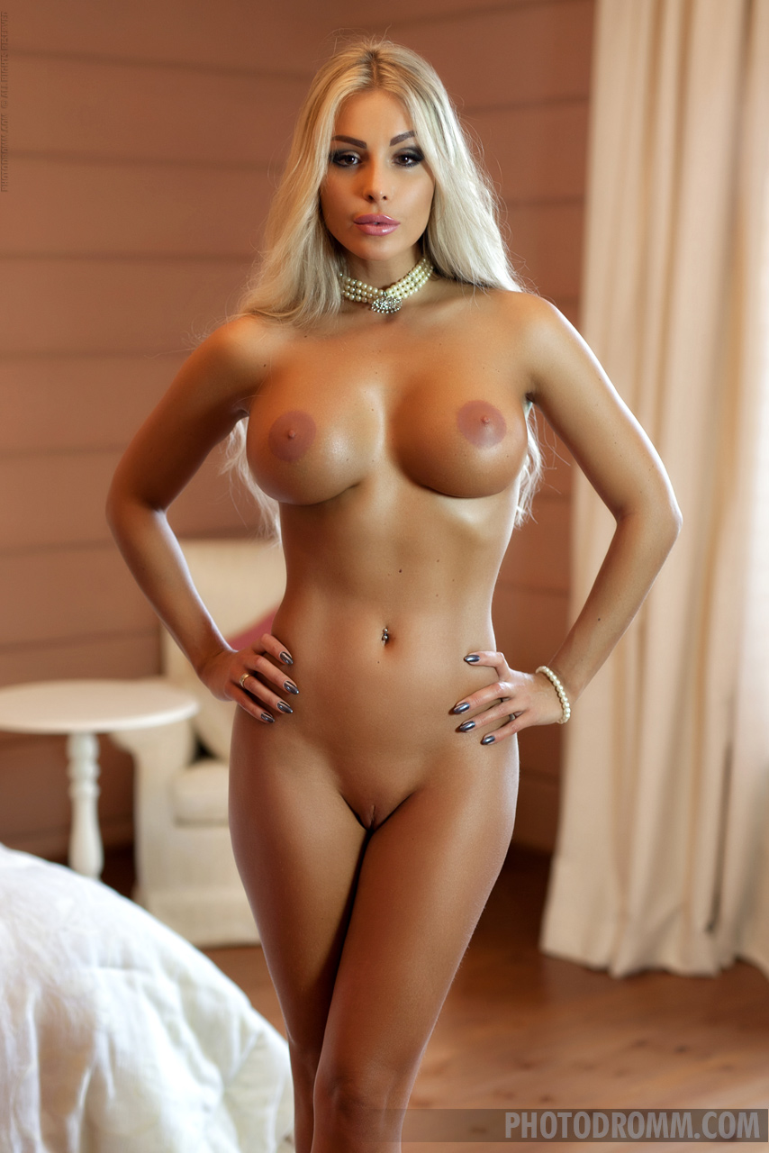 nicki minaj naked hot sexy